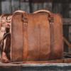 brun taske til kontorbrug